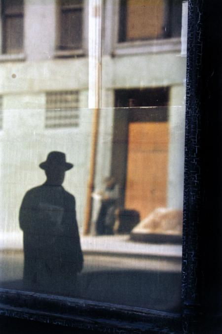 Foto: Saul Leiter | Near the Tanager, 1954